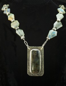 Necklace-labradorite silver setting