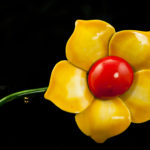 Brooch Robert Yellow Flower3