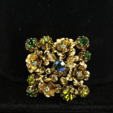 Brooch-square goldtone and rhinestone _1