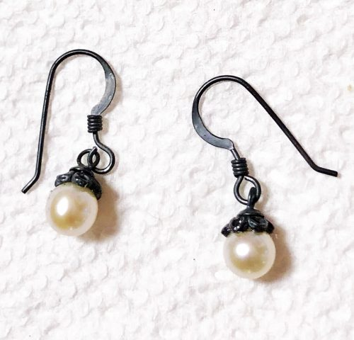 antique look pearl earrings