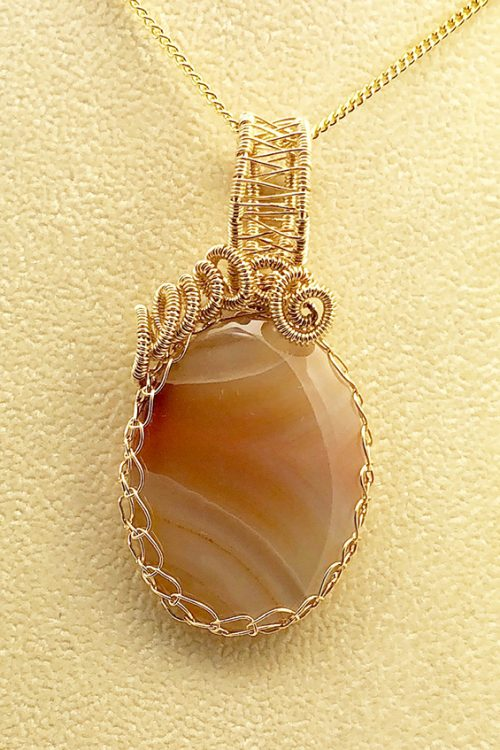 agate pendant in woven setting