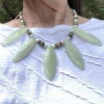 Green leaf necklace