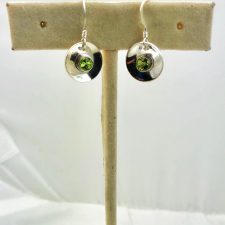 Disc earrings peridot and silver small