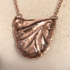 Hammered copper U pendant view 2